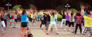 Low Impact Aerobic Cours En Plein Air